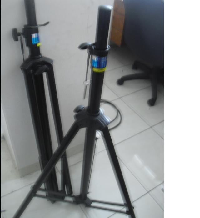 Stand/Tripod Speakers