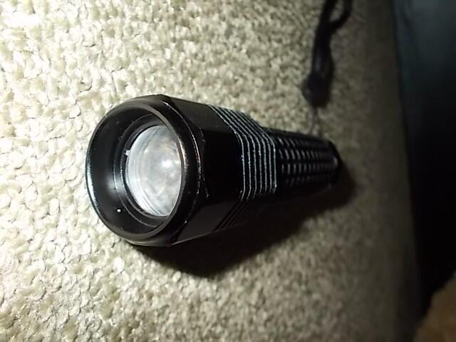 senter / flashlight cree 600w