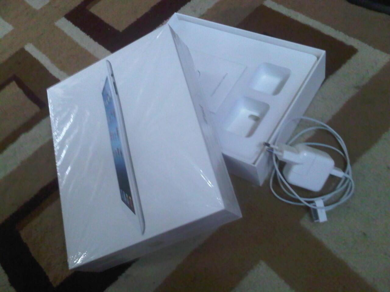 (WTS) New iPad / iPad 3 White 16GB WiFi