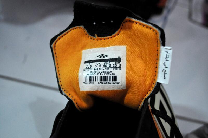 41dec443dc Sepatu Bola Umbro Ori - Pilihan Online Terbaik