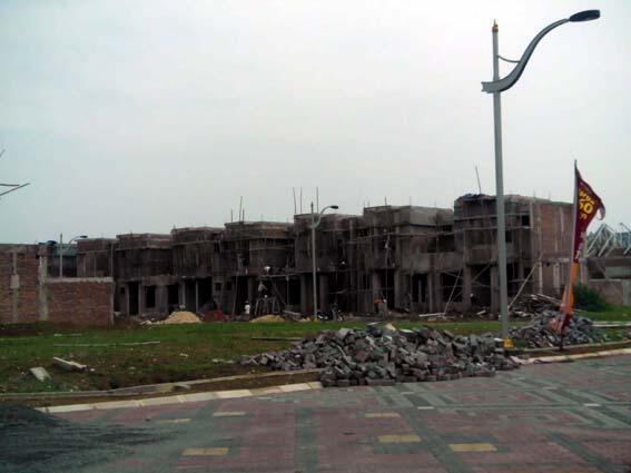 Rumah Mewah dekat PRESIDENT UNIVERSITY & Sekolah AL AZHAR JABABEKA.. mantep deh bos