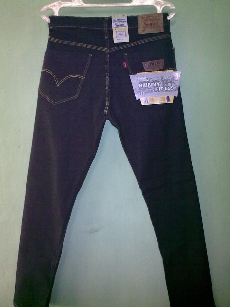 Celana Jeans (LEVI'S) murah, bagus, enak & nyaman dipakai