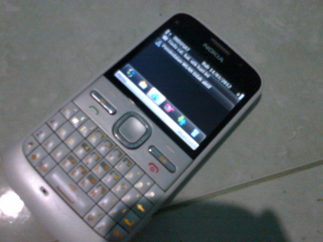 Nokia E5 mulus Mantep. oke BANGET gan.