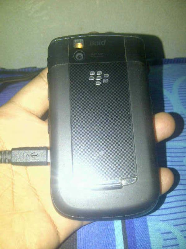 dijual blackberry onyx 1