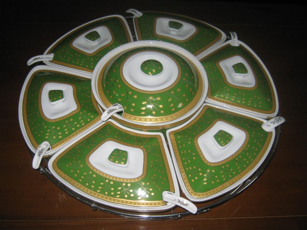 Vicenza Peralatan Prasmanan besar
