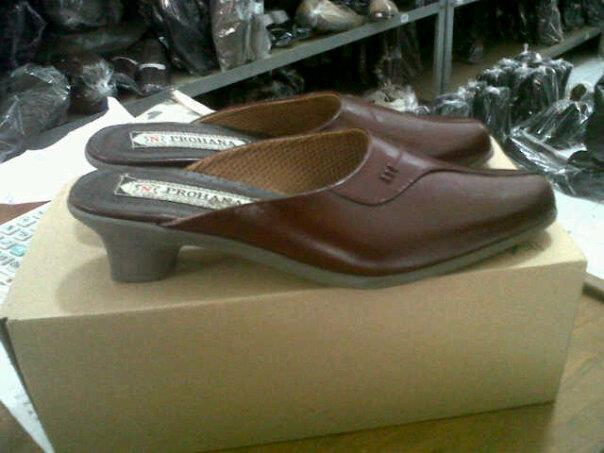 PROHANA SHOES AND SANDALS FOR MALE AND FEMALE