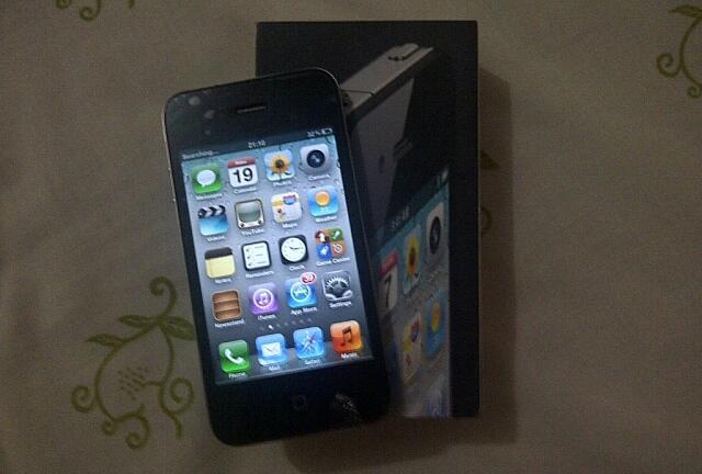 Jual pasrah iphone 4 FU 16 GB ex Telkomsel kondisi apa adanya