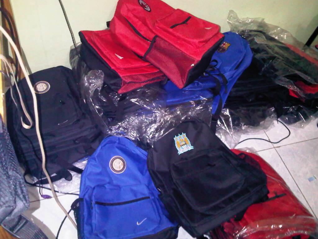 tas ransel & laptop klub bola adidas,nike,umbro! berkualitas! re-seller welcome!