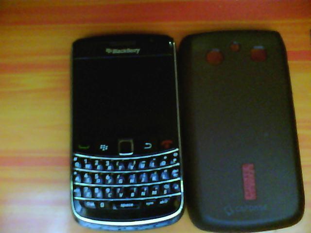 jual blackberry onyx 1 9700 black second COD Semarang
