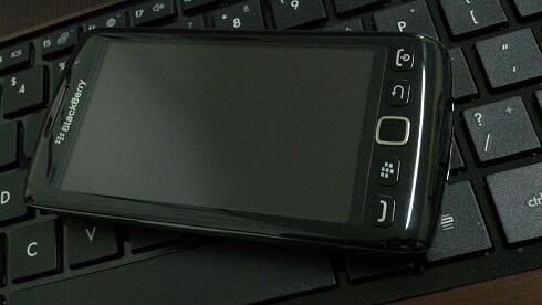 Blackberry Monza 9860 Sangat Istimewa, Garansi Resmi CTN, 99% Like New (Bandung)