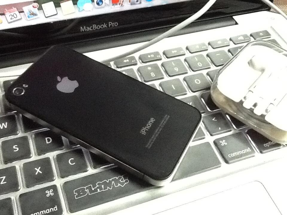 IPHONE 4 8gb BLACK LIKE NEW CDMA MURAH