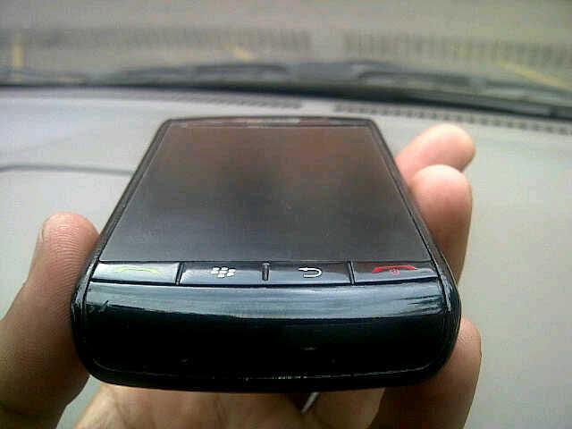 di jual blackberry storm1 9530 murahh sekaliii