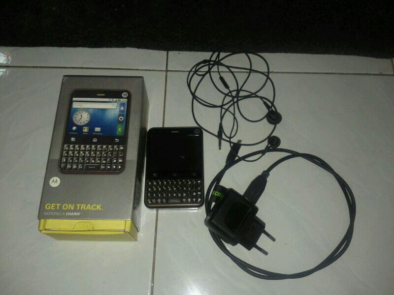 Jual Motorola Charm Android (Malang)