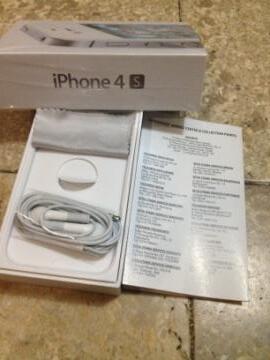 Jual IPHONE 4s 32gb putih mulus ex.cewe (garansi panjang JUNI 2013)