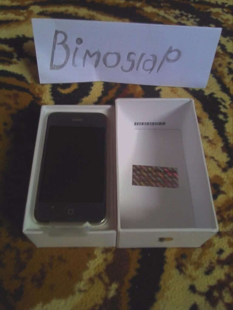 iphone 3gs white 16gb BNOB & DELL STREAK 5 garansi PANJANG subang_jabar