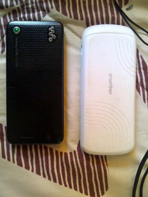 Sony ericsson W302 & Smartfren (Haier) C330
