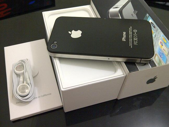 WTS: iphone 4, 16GB, Black