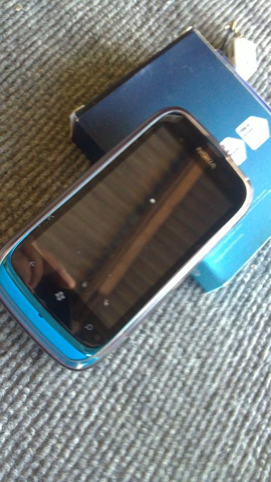 jual murah nokia lumia 610 lengkap full sett bandung like new gan garansi panjang