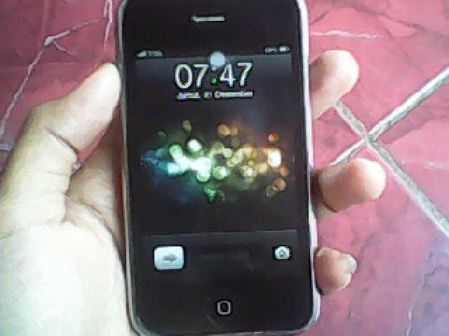 iPhone 3GS 8GB Butuh Duit 1,9 aja, bisa nego!!!!