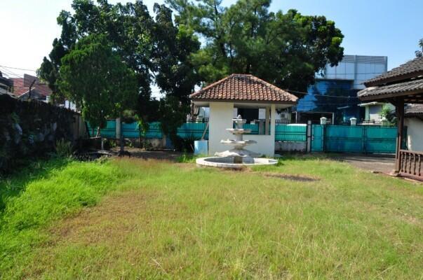 Jual Rumah dan Tempat Usaha Strategis 982 m2 Jl. Suci Ciracas