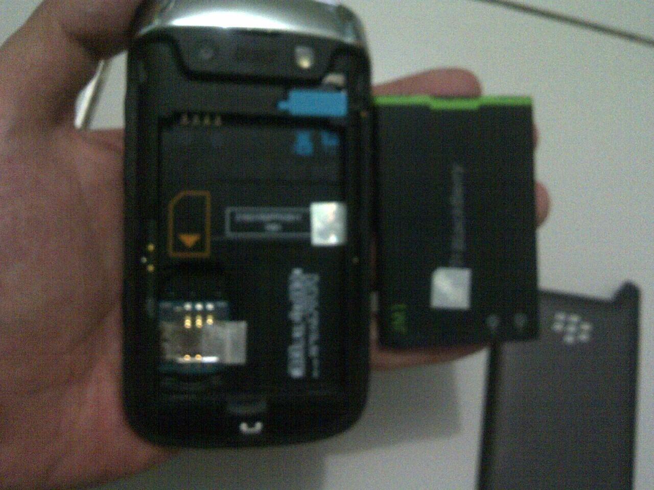 WTS jual blackberry belagio 9790 black garansi TAM mulus baru pake 2 bln