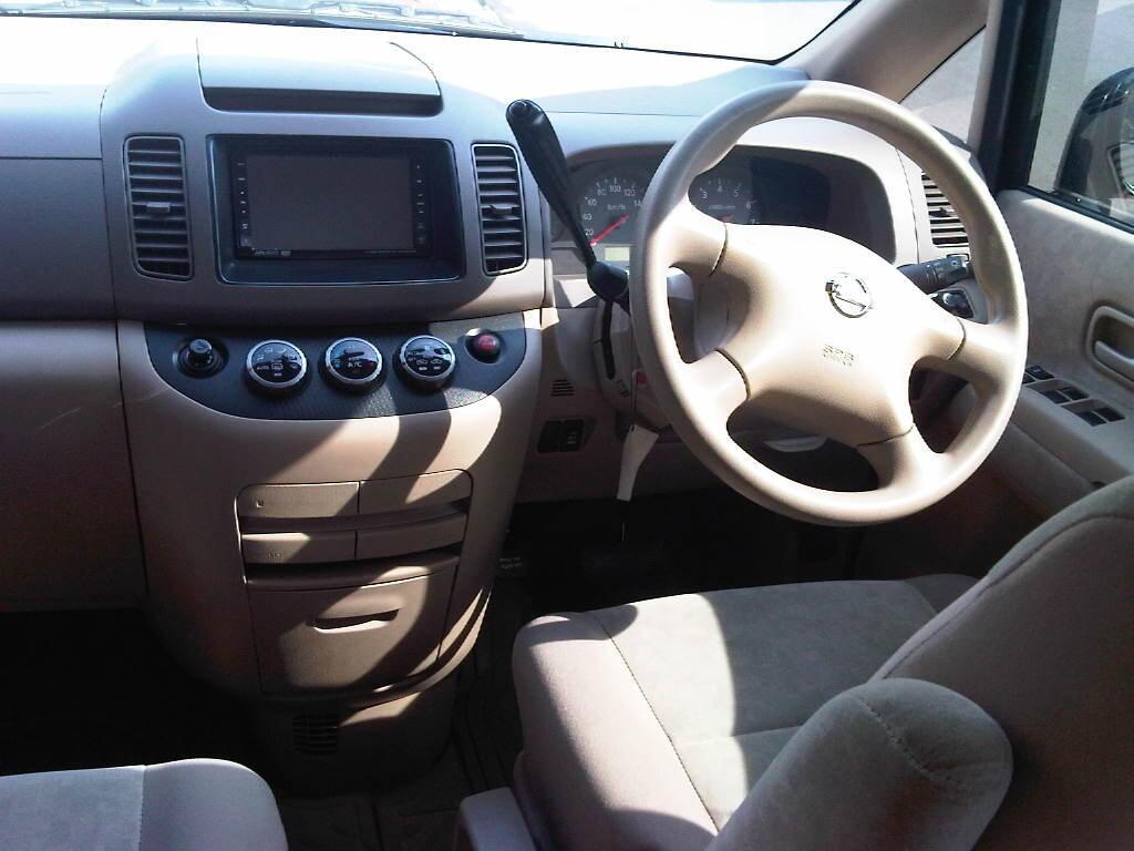 Nissan Serena 2.0 CT AT 2009 Hitam Metalik