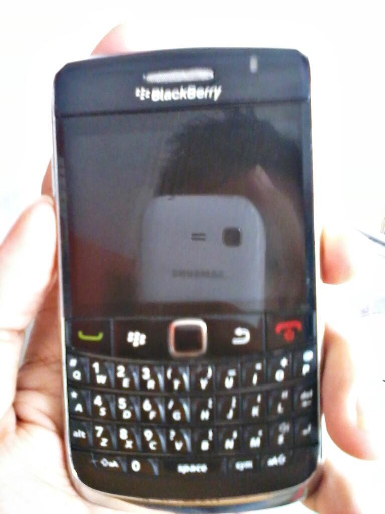 Black Berry Onix 2 Garansi CTN