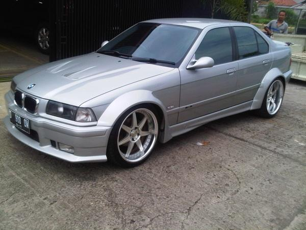 Bimmers E36 97 323i modified Only for enthusiast people