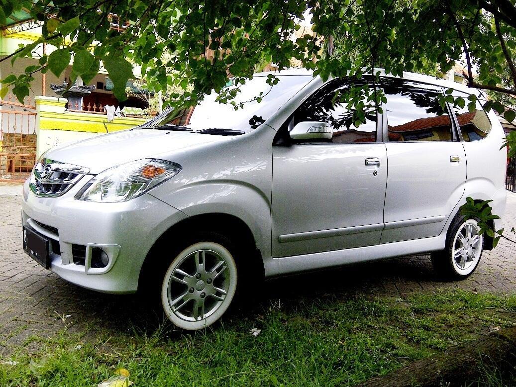 Daihatsu Xenia Xi DLX VVTi Plus 1300cc Silver metallic