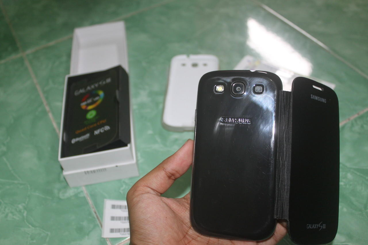 Samsung Galaxy S3 Like New Baru Pake 2 Bulan