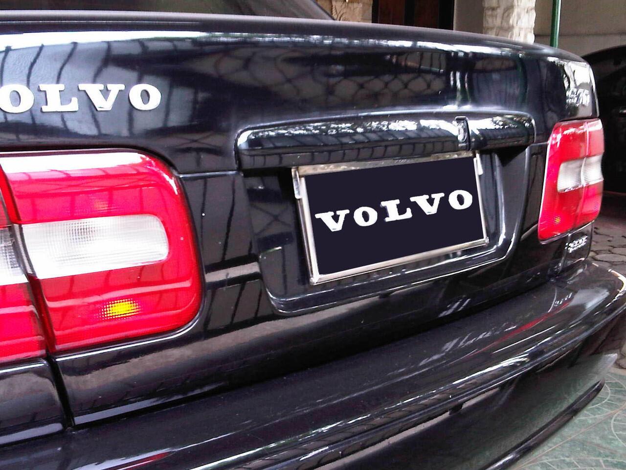 Volvo S70 M/T Tahun 2000 Hitam Solid