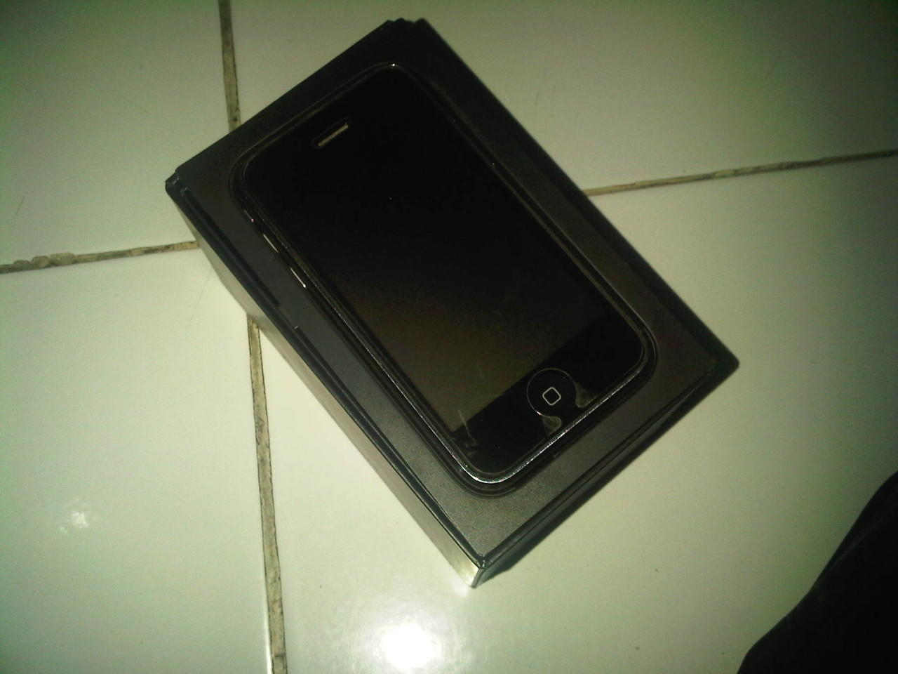 Iphone 3G 16 GB Hitam mulus