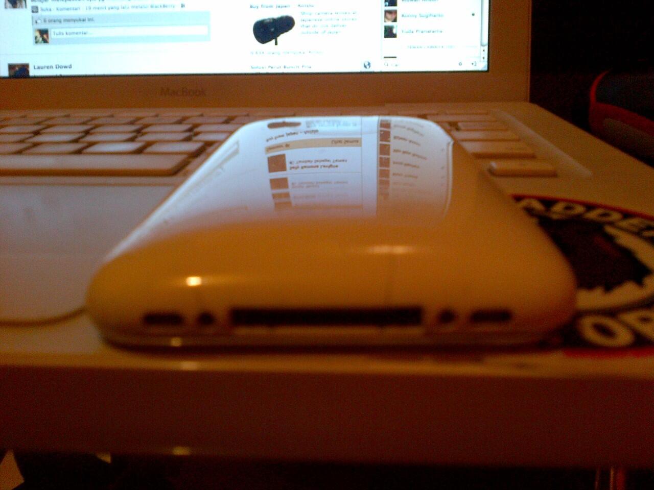 IPHONE 3G WHITE BANYAK BONUS BANDUNG