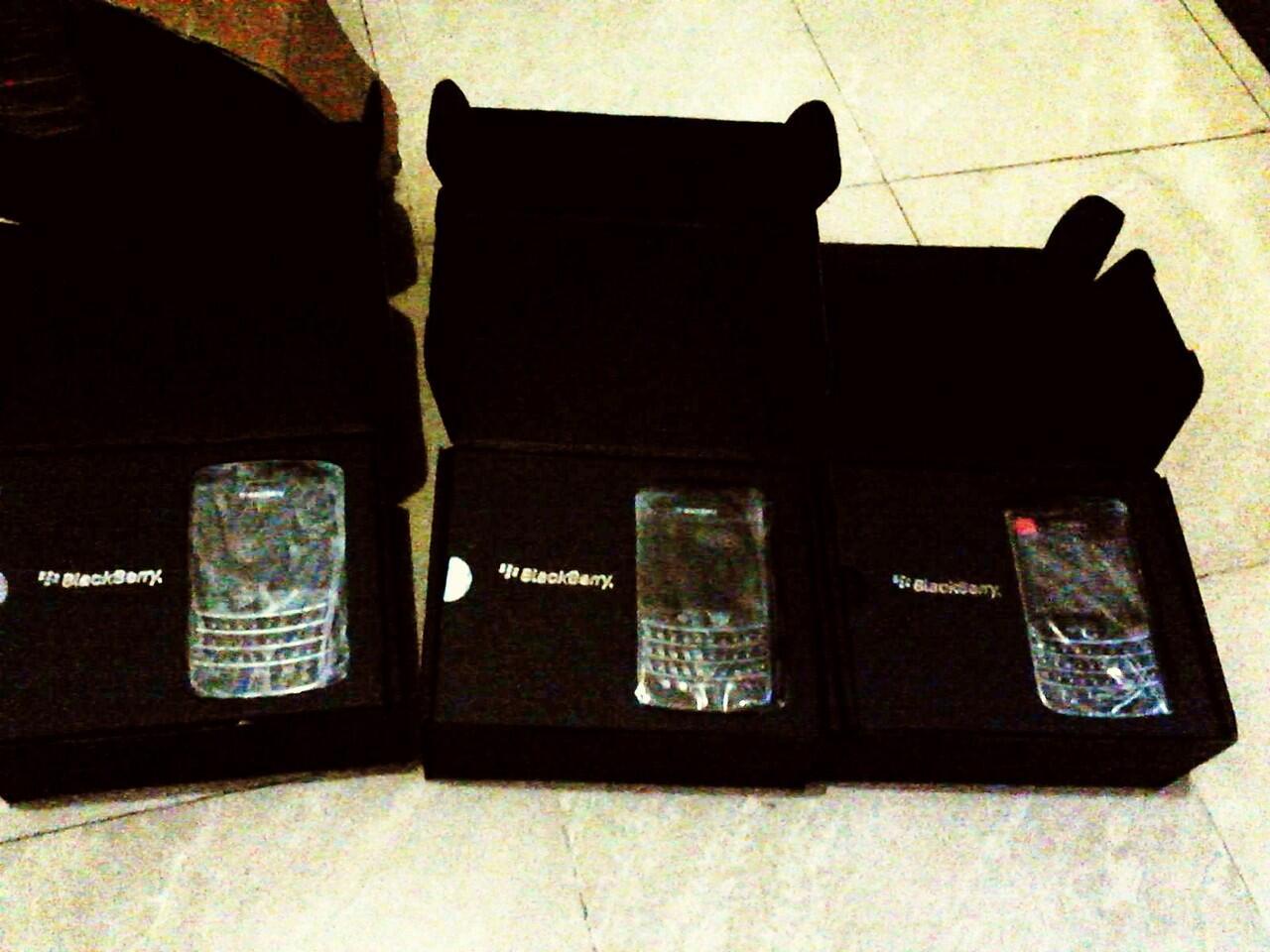New Blackberry BB Tour1 9630 = 900ribuan (bisa COD)