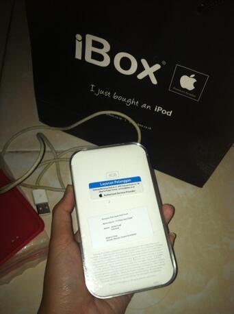 WTS Apple Ipod Touch atau ITouch gen 4 8GB Black Bergarskin