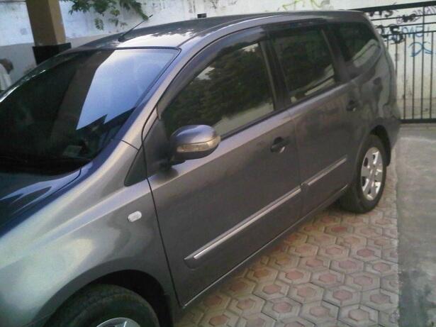 Nissan Grand Livina XV 2010 MT - Family Car :: B JAKARTA