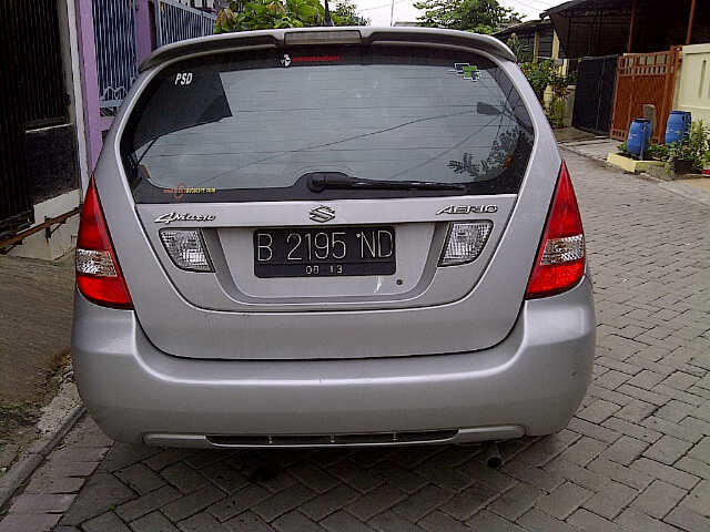 Suzuki Aerio matic 2003 over kredit