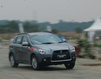 READY STOCK OUTLANDER SPORT