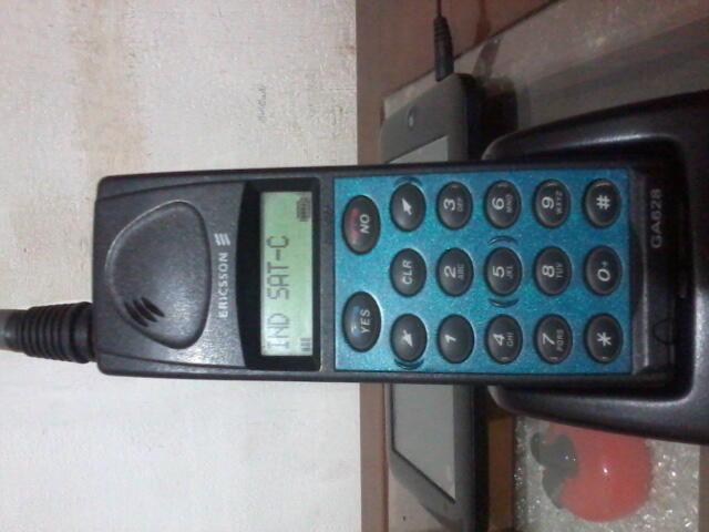 hp jadul Ericsson GA628 Antena Panjang