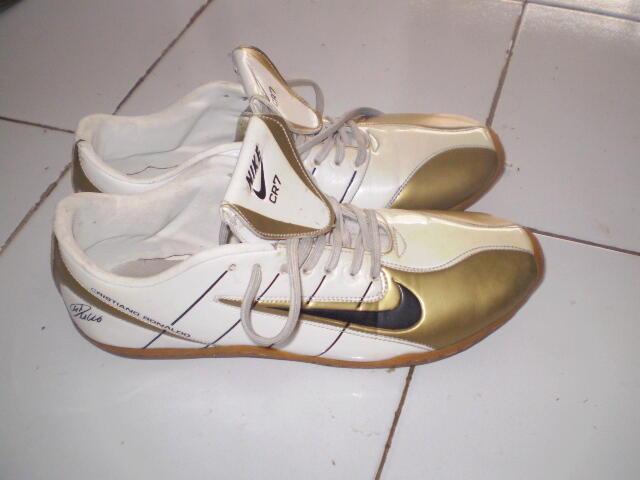 sepatu futsal cr7 kw super 2nd murah