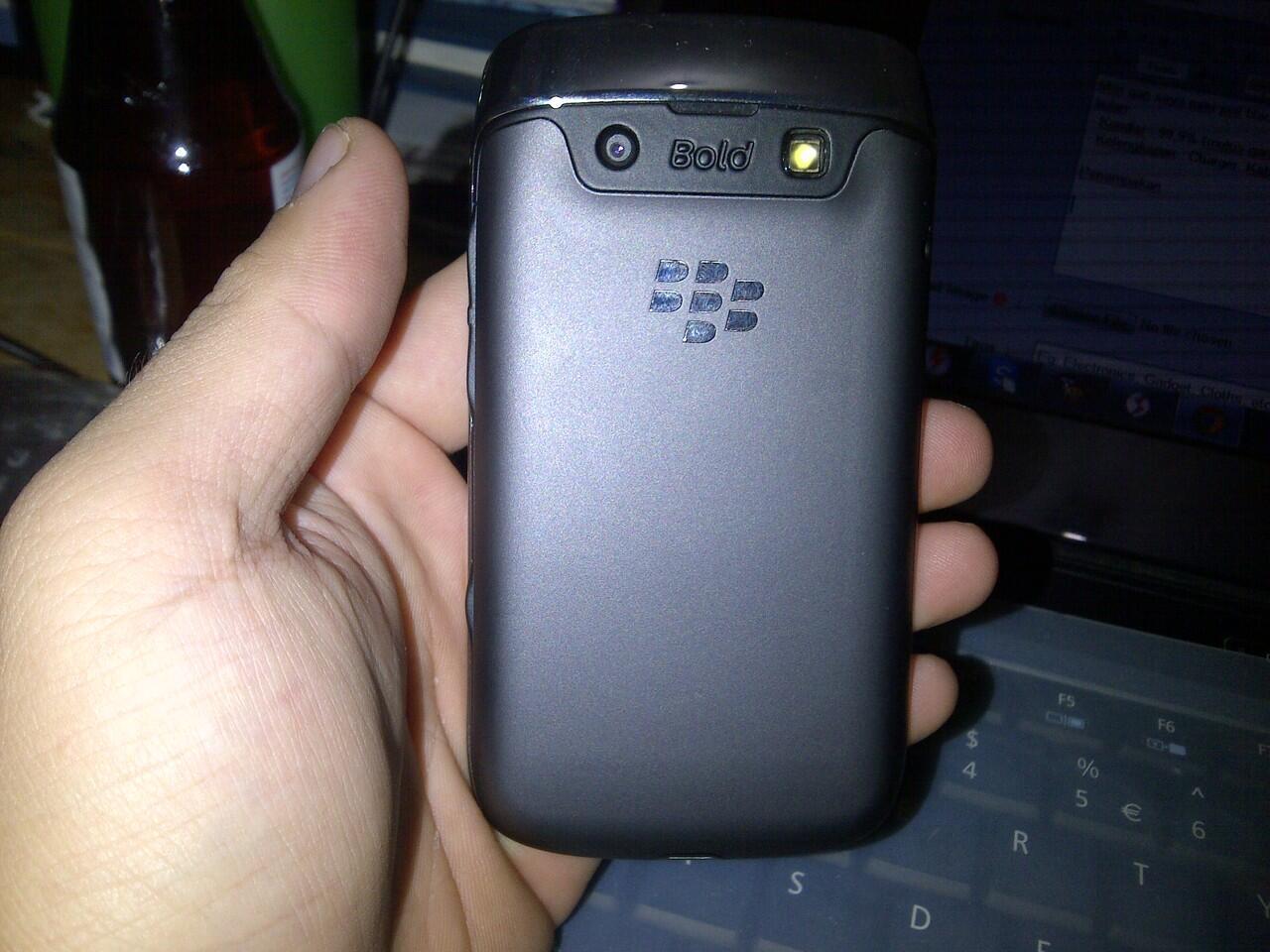 blackberry bellagio 9790 black garansi tam 22 bulan