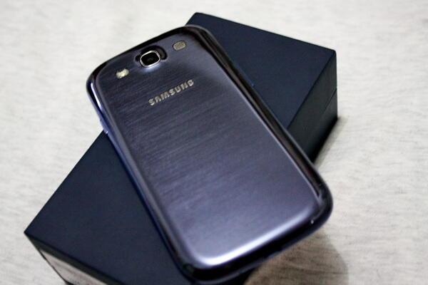 WTS Samsung Galaxy S3 / SIII GT-i9300 Mulus dan lengkap bergaransi Resmi . COD