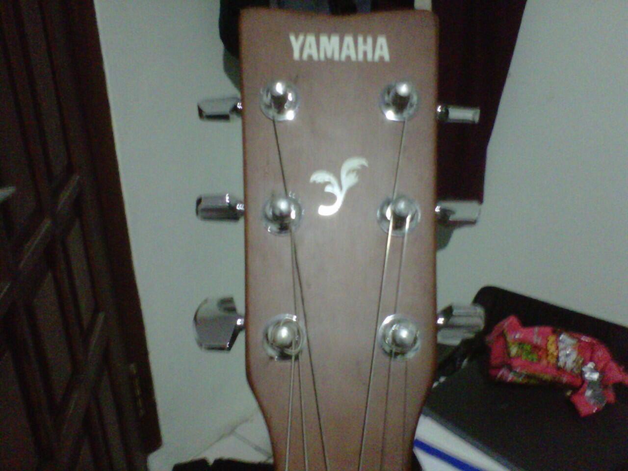 Gitar akustik/acoustic Yamaha F310