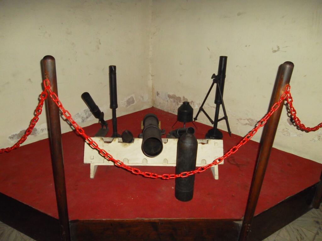 Senapan Dan Pistol Yang Digunakan TNI Polri KASKUS