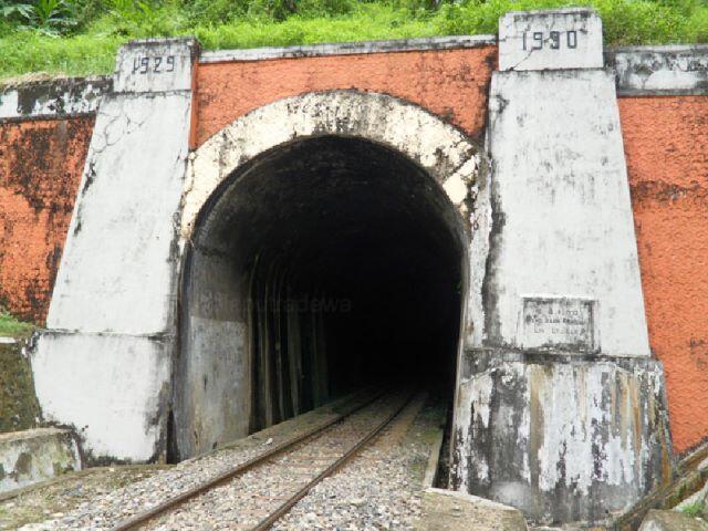 10 Terowongan Kereta Api Terpanjang di Indonesia