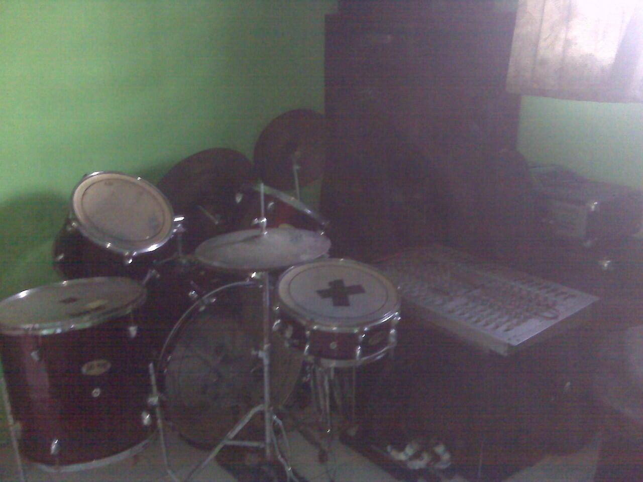 studio music 12jt aja !!! bs tuker motor ko gan!!