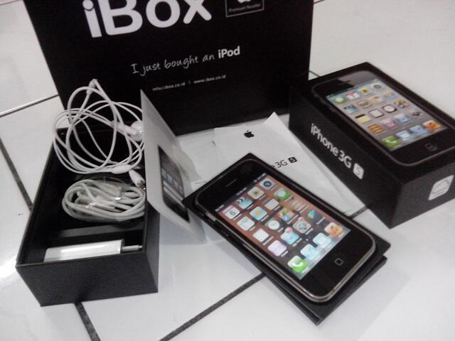 iPhone 3Gs 8Gb Lengkap, Normal & Mulus...