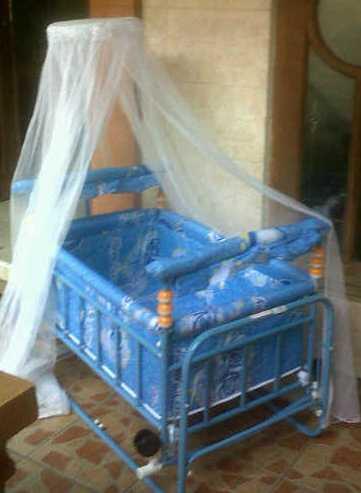 Terjual Tempat Tidur Bayi