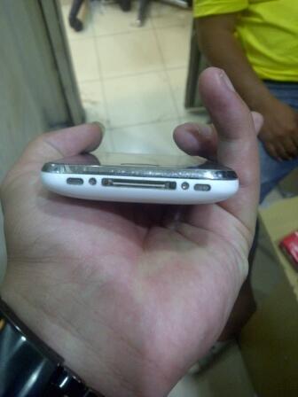 Jual Iphone 3GS 32GB FU white kondisi 97% harga bersaing