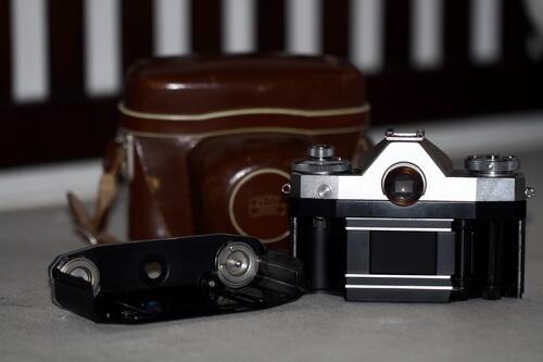 Terjual JUAL > Kamera antik CONTAFLEX IV